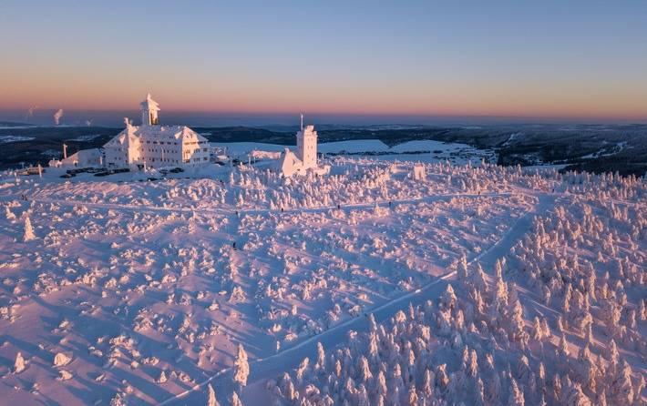 welterbe-mit-spuren-winterzeit-in-der-montanregion-erzgebirge-krusnohori